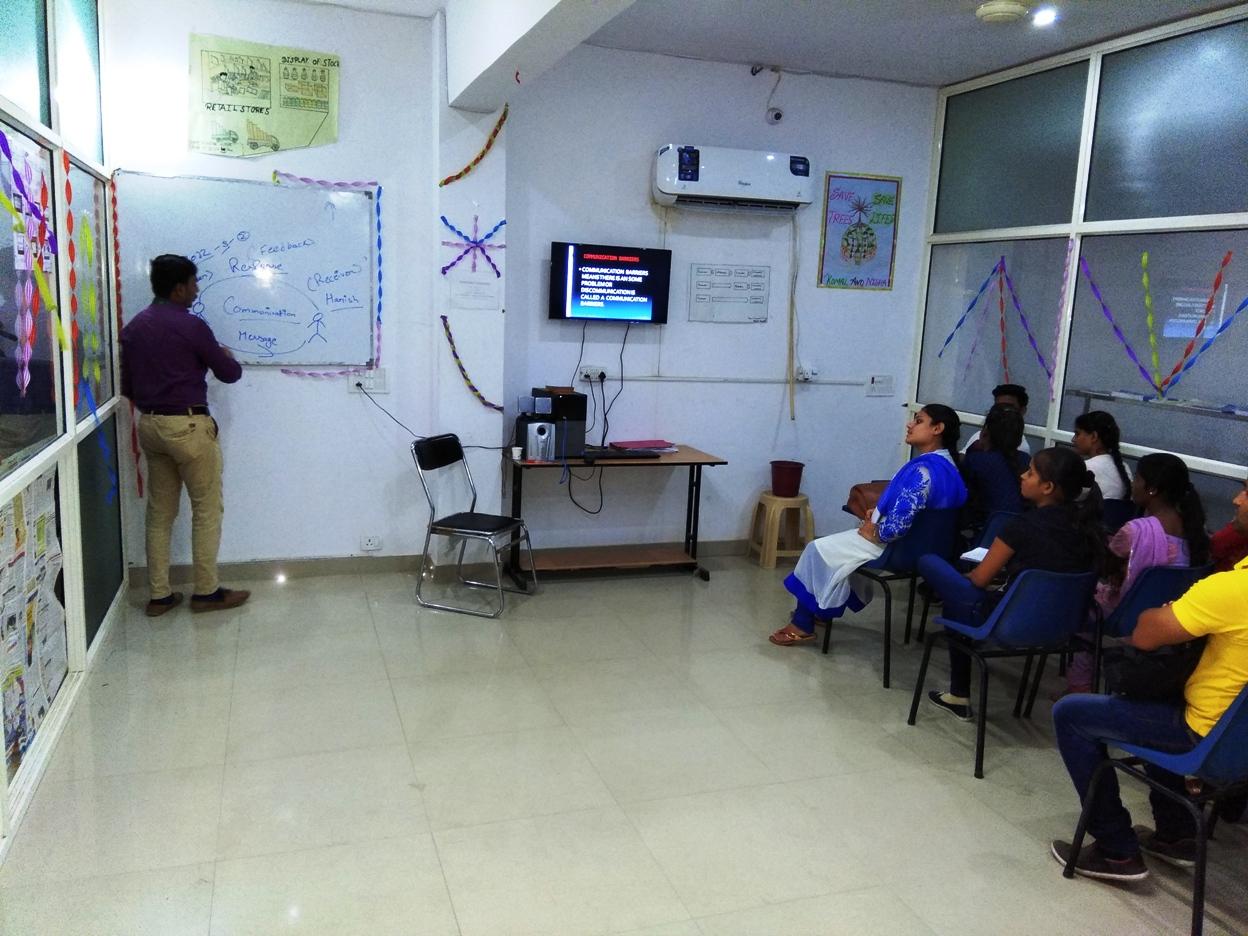 Sona Yukti Bareilly Retail Trainee Associate Lab