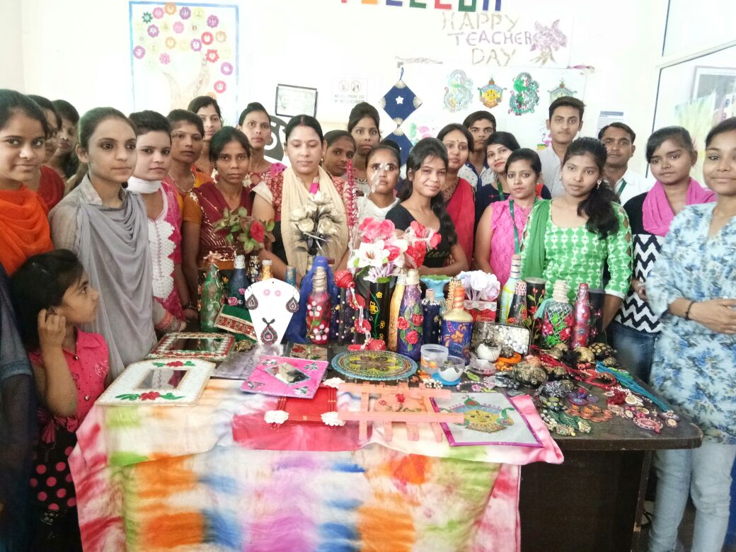 Sona Yukti's training workshop and exhibition organized by Pidilite in Bareilly, UP