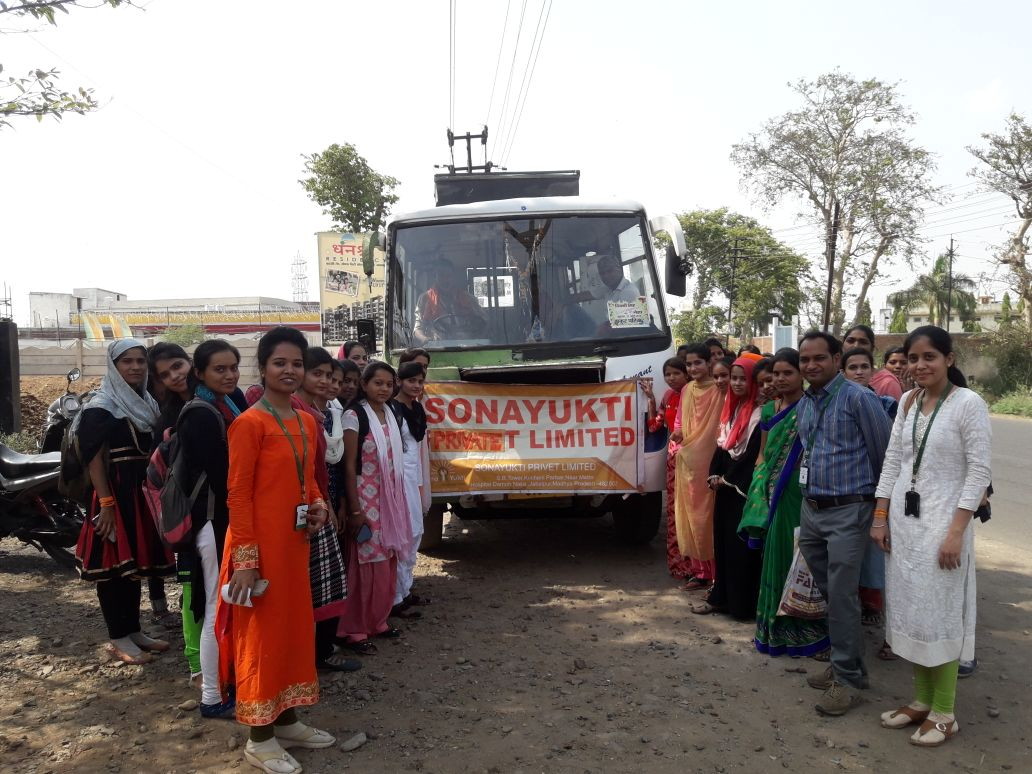 SonaYukti-Apparel-Industrial-Visit-by-NULM-Students