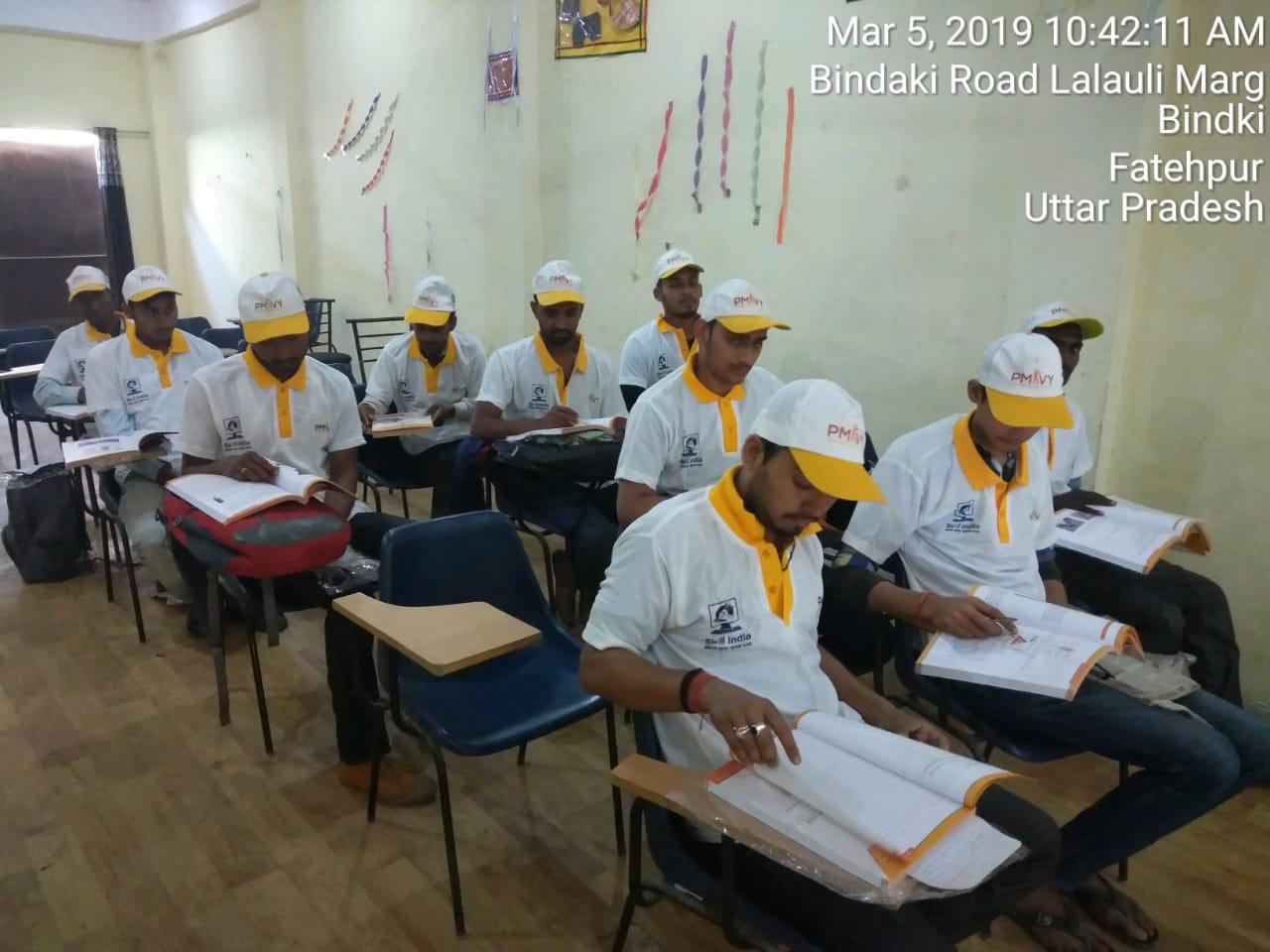 Saubhagya OJT & Kit Distribution Program by Sona Yukti at Fatehpur Bhindki